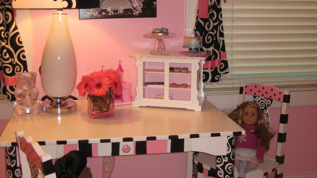 "EXTREME MAKEOVER HOME EDITION - ""Martirez/Malez Family,"" - Girl's Bedroom and Accessories, on ""Extreme Makeover Home Edition,"" Sunday, November 9th on the ABC Television Network."