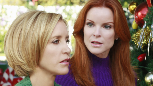 "DESPERATE HOUSEWIVES - ""Boom Crunch"" - Christmas cheer is curtailed when disaster strikes on ABC's ""Desperate Housewives,"" SUNDAY, DECEMBER 6 (9:00-10:01 p.m., ET). Gaby and Lynette's friendship is on the brink of collapse; Susan hatches a plan to help an irrational Katherine; Bree and Orson come to an agreement over their marriage; Danny's vital mistake may cost Angie her freedom; and a plane crashes down on Wisteria Lane, putting lives in peril. (ABC/RON TOM)FELICITY HUFFMAN, MARCIA CROSS"