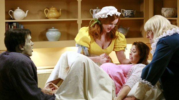DESPERATE HOUSEWIVES - Danielle giving birth on Halloween Night! SUNDAY, NOVEMBER 4 (9:00-10:01 p.m., ET) on the ABC Television Network.  (ABC/RON TOM) NATHAN FILLION, MARCIA CROSS, JOY LAUREN, KYLE MACLACHLAN