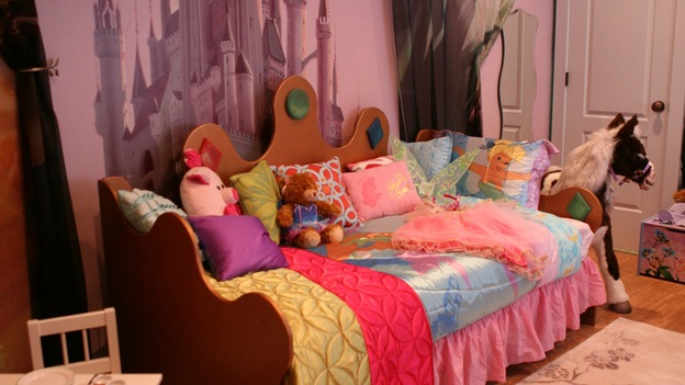 "EXTREME MAKEOVER HOME EDITION - ""Slaughter Family,"" - Girl's Bedroom, on ""Extreme Makeover Home Edition,"" Sunday, January 4th on the ABC Television Network."