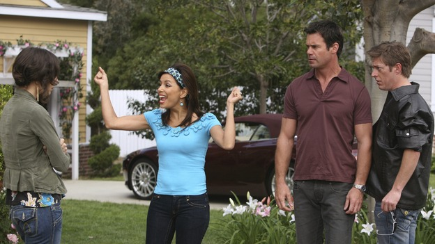 DESPERATE HOUSEWIVES - &quot;Opening Doors&quot; - Gaby tries to diffuse an explosive situation, on &quot;Desperate Housewives,&quot; SUNDAY, MAY 4 (9:00-10:02 p.m., ET) on the ABC Television Network.  (ABC/DANNY FELD) JUSTINE BATEMAN, EVA LONGORIA PARKER, TUC WATKINS, KEVIN RAHM