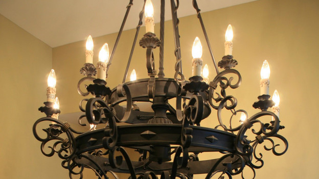 EXTREME MAKEOVER HOME EDITION - &quot;Hampton Family,&quot; - Lighting, on &quot;Extreme Makeover Home Edition,&quot; Sunday, October 4th on the ABC Television Network.