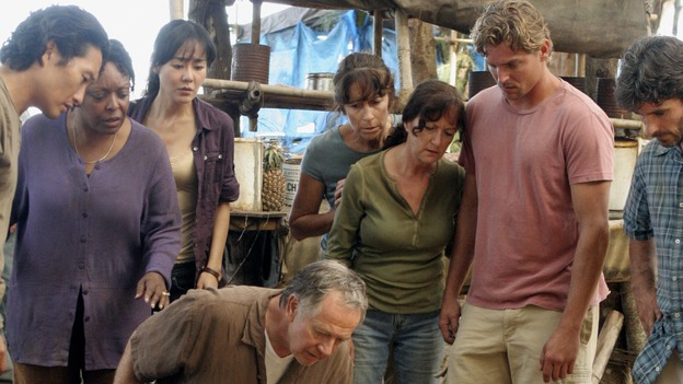 "LOST - ""Something Nice Back Home"" (ABC/MARIO PEREZ)STANDING: DANIEL DAE KIM, L. SCOTT CALDWELL, YUNJIN KIM, EXTRAS; ON GROUND: SAM ANDERSON, ELIZABETH MITCHELL, MATTHEW FOX"