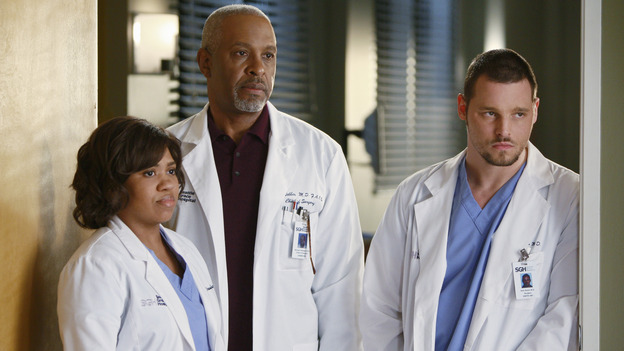 "GREY'S ANATOMY - ""Stand By Me"" - Drs. Miranda Bailey, Richard Webber and Alex Karev, on ""Grey's Anatomy,"" THURSDAY, MARCH 19 (9:00-10:02 p.m., ET) on the ABC Television Network. (ABC/MICHAEL DESMOND) CHANDRA WILSON, JAMES PICKENS JR., JUSTIN CHAMBERS"