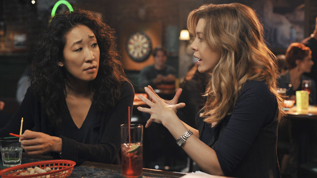 "GREY'S ANATOMY - ""There's No 'I' in Team"" - Meredith and Cristina have another one of their epic conversations at Joe's, on ""Grey's Anatomy,"" THURSDAY, OCTOBER 23 (9:00-10:01 p.m., ET) on the ABC Television Network. (ABC/ERIC MCCANDLESS) SANDRA OH, ELLEN POMPEO"