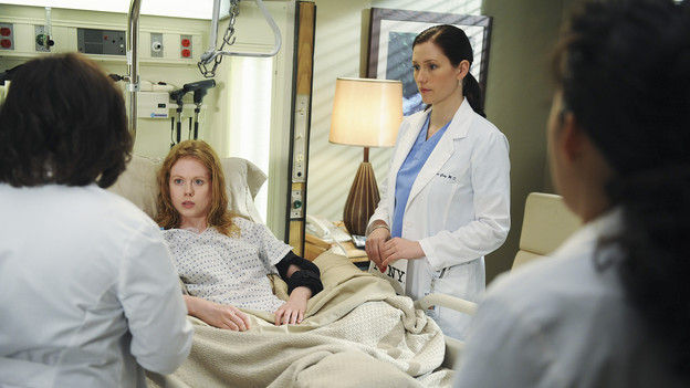 "GREY'S ANATOMY - ""Goodbye"" (ABC/ERIC MCCANDLESS)CHANDRA WILSON, ZOE BOYLE, CHYLER LEIGH, SANDRA OH"