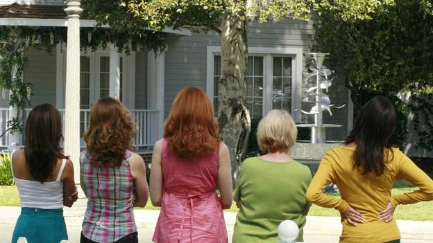 "DESPERATE HOUSEWIVES - ""Art Isn't Easy"" - Bob & Lee's contemporary water sculpture in their front yard prompts the Wisteria Lane neighborhood association into action, Edie finds out about the affair that Carlos is having with Gaby, and John Rowland, the Solis' former gardener, wants to rekindle his romance with Gaby, on ""Desperate Housewives,"" SUNDAY, OCTOBER 28 (9:00-10:01 p.m., ET) on the ABC Television Network.  (ABC/RON TOM)EVA LONGORIA, DANA DELANY, MARCIA CROSS, KATHRYN JOOSTEN, TERI HATCHER"
