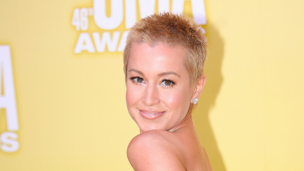 "THE 46TH ANNUAL CMA AWARDS - RED CARPET ARRIVALS - ""The 46th Annual CMA Awards"" airs live THURSDAY, NOVEMBER 1 (8:00-11:00 p.m., ET) on ABC live from the Bridgestone Arena in Nashville, Tennessee. (ABC/SARA KAUSS)KELLIE PICKLER"