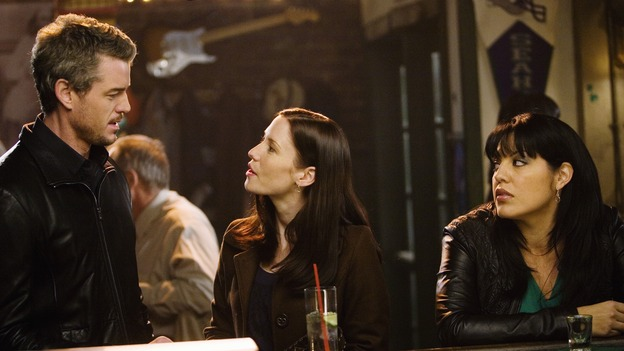 "GREY'S ANATOMY - ""Beat Your Heart Out"" - Mark, Lexie and Callie hang out at Joe's Bar, on ""Grey's Anatomy,"" THURSDAY, FEBRUARY 5 (9:00-10:02 p.m., ET) on the ABC Television Network. (ABC/RANDY HOLMES) ERIC DANE, CHYLER LEIGH, SARA RAMIREZ"