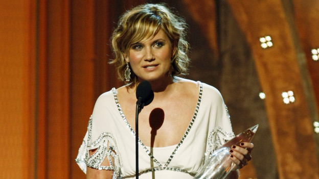 "THE 42ND ANNUAL CMA AWARDS - THEATRE - ""The 42nd Annual CMA Awards"" aired live from the Sommet Center in Nashville, WEDNESDAY, NOVEMBER 12 (8:00-11:00 p.m., ET) on the ABC Television Network. (ABC/CHRIS HOLLO)JENNIFER NETTLES"