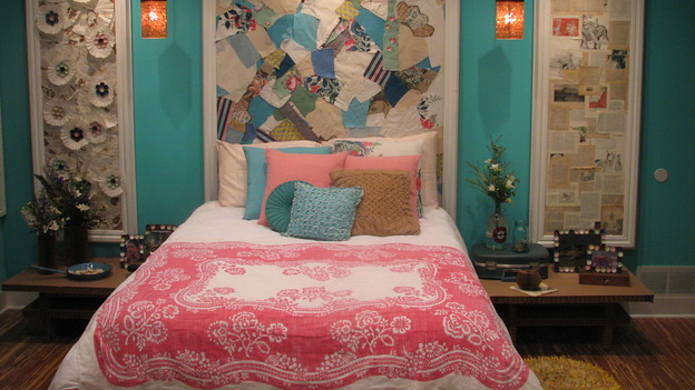 "EXTREME MAKEOVER HOME EDITION - ""DeVries Family,"" - Girl's Bedroom, on ""Extreme Makeover Home Edition,"" Sunday, December 7th on the ABC Television Network."