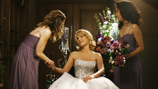 "GREY'S ANATOMY - ""What a Difference a Day Makes"" - Meredith and Cristina finish preparing Izzie for her walk down the aisle, on ""Grey's Anatomy,"" THURSDAY, MAY 7 (9:00-10:02 p.m., ET) on the ABC Television Network. ELLEN POMPEO, KATHERINE HEIGL, SANDRA OH"