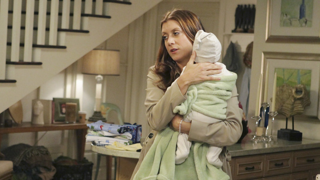 PRIVATE PRACTICE - &quot;Gone, Baby, Gone&quot; - When Amelia goes into labor, the Seaside doctors - even those she pushed away -- come to her side as she faces the hardest decision of her life. Meanwhile, after Pete finds himself in life-changing trouble, he and Violet realize what they mean to one another, and Addison is faced with a choice, on the Season Finale of &quot;Private Practice&quot;, TUESDAY, MAY 15 (10:01-11:00 p.m., ET) on the ABC Television Network. (ABC/KAREN NEAL)KATE WALSH