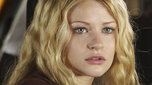 "LOST - ""What Kate Does"" - Kate finds herself on the run, while Jack is tasked with something that could endanger a friend's life, on ""Lost,"" TUESDAY, FEBRUARY 9 (9:00-10:00 p.m., ET) on the ABC Television Network. (ABC/MARIO PEREZ)EMILIE DE RAVIN"