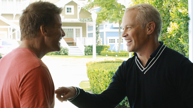 DESPERATE HOUSEWIVES - &quot;Back in Business&quot; - Dave and Tom bond over garage bands.
