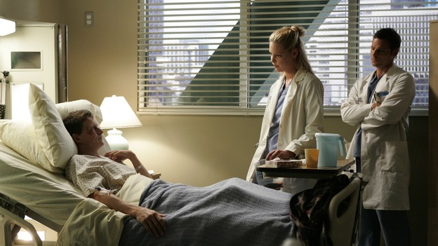 103276_6705 -- GREY'S ANATOMY - &quot;ENOUGH IS ENOUGH&quot; (ABC/CRAIG SJODIN)LUKAS BEHNKEN, KATHERINE HEIGL, JUSTIN CHAMBERS