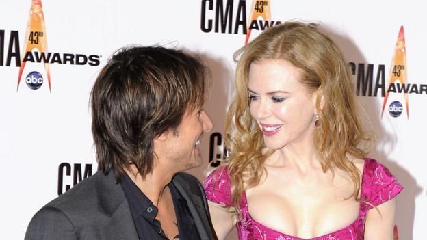 THE 43rd ANNUAL CMA AWARDS - RED CARPET ARRIVALS - &quot;The 43rd Annual CMA Awards&quot; will be broadcast live from the Sommet Center in Nashville, WEDNESDAY, NOVEMBER 11 (8:00-11:00 p.m., ET) on the ABC Television Network. (ABC/DONNA SVENNEVIK)KEITH URBAN, NICOLE KIDMAN