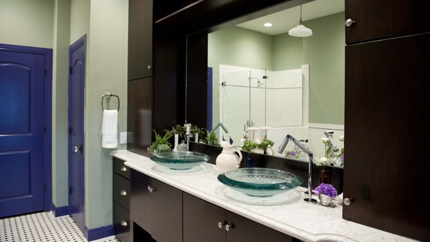 "EXTREME MAKEOVER HOME EDITION - Bathroom Photo, ""Zdroj Family,"" on ""Extreme Makeover Home Edition,"" Monday, December 3rd (8:00-10:00 p.m. ET/PT) on the ABC Television Network."