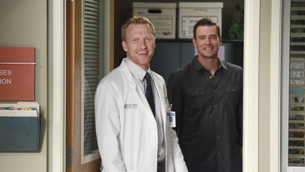"GREY'S ANATOMY - ""Put Me In, Coach"" - Owen stresses teamwork and moves his leadership role over to the baseball field when he signs the doctors up for a baseball league, pitting them against their biggest competition, Seattle Presbyterian; Lexie tries to hide her jealous rage when she sees Mark with a new woman, but her emotions get the better of her; Alex fights to keep Zola at Seattle Grace after it is suggested that she be moved to another hospital due to a conflict of interest with Meredith and Derek; and Richard scolds Meredith and Bailey for their feud, on Grey's Anatomy, THURSDAY, OCTOBER 27 (9:00-10:02 p.m., ET) on the ABC Television Network. (ABC/RICHARD CARTWRIGHT)KEVIN MCKIDD, SCOTT FOLEY"