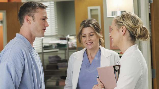 "GREY'S ANATOMY - ""Sympathy for the Parents"" - When Alex's younger brother, Aaron, shows up at Seattle Grace-Mercy West with a hernia, it's up to Alex to get Bailey's approval for his pro bono surgery. Matters are further complicated when Aaron discloses that his family has not heard from Alex since he arrived in Seattle, and parts of Alex's past long kept secret are revealed to his friends and fellow doctors, on ""Grey's Anatomy,"" THURSDAY, APRIL 1 (9:00-10:01 p.m., ET) on the ABC Television Network. (ABC/RON TOM)JAKE MCLAUGHLIN, ELLEN POMPEO, JESSICA CAPSHAW"