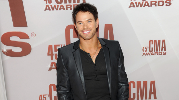 "THE 45th ANNUAL CMA AWARDS - RED CARPET ARRIVALS - ""The 45th Annual CMA Awards"" will broadcast live on ABC from the Bridgestone Arena in Nashville on WEDNESDAY, NOVEMBER 9 (8:00-11:00 p.m., ET). (ABC/JASON KEMPIN)KELLAN LUTZ"