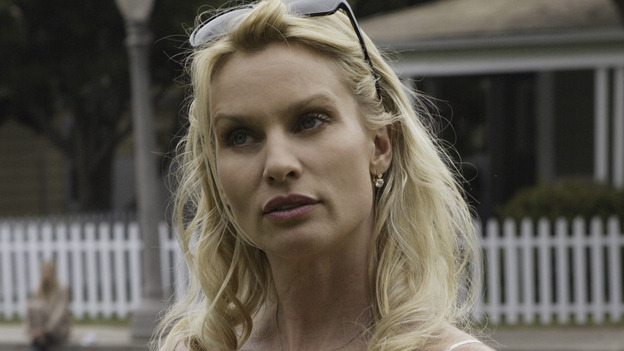 "100268_6593 -- DESPERATE HOUSEWIVES - ""PILOT"" (ABC/PETER ""HOPPER"" STONE)NICOLETTE SHERIDAN"