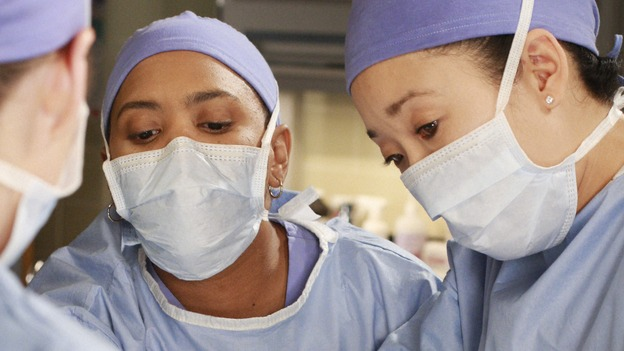 GREY'S ANATOMY - &quot;In The Midnight Hour&quot; - Meredith, Cristina and Bailey come to Lexie and Sadie's rescue when a routine surgery goes horribly wrong, on &quot;Grey's Anatomy,&quot; THURSDAY, NOVEMBER 20 (9:00-10:01 p.m., ET) on the ABC Television Network.  (ABC/RON TOM) CHANDRA WILSON, SANDRA OH