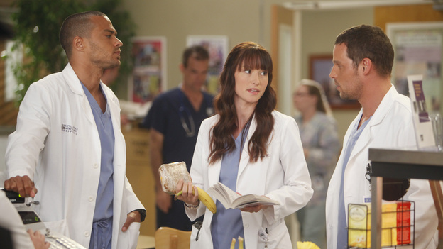 "GREY'S ANATOMY - ""Heart-Shaped Box"" - The doctors become nostalgic when George O'Malley's mother, Louise, returns to Seattle Grace for medical help after a botched surgery at a neighboring hospital; the residents are inspired by a medical miracle when they witness a harvested heart that continues to beat outside the body; a new pediatric fellow excites Arizona and makes Alex feel threatened; Jackson lets his suspicions about Mark and Lexie interfere with his work; and Henry and Teddy have their first marital fight when he expresses interest in pursuing medical school, on ""Grey's Anatomy,"" THURSDAY, NOVEMBER 3 (9:00-10:02 p.m., ET) on the ABC Television Network. (ABC/RANDY HOLMES)JESSE WILLIAMS, CHYLER LEIGH, JUSTIN CHAMBERS"