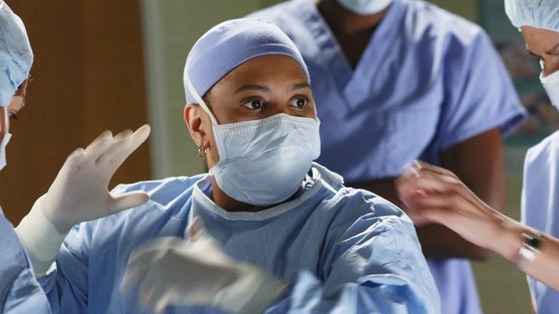 "GREY'S ANATOMY - ""In The Midnight Hour"" - Bailey prepares to scrub in to help save Sadie's life, on ""Grey's Anatomy,"" THURSDAY, NOVEMBER 20 (9:00-10:01 p.m., ET) on the ABC Television Network.  (ABC/RON TOM) CHANDRA WILSON"