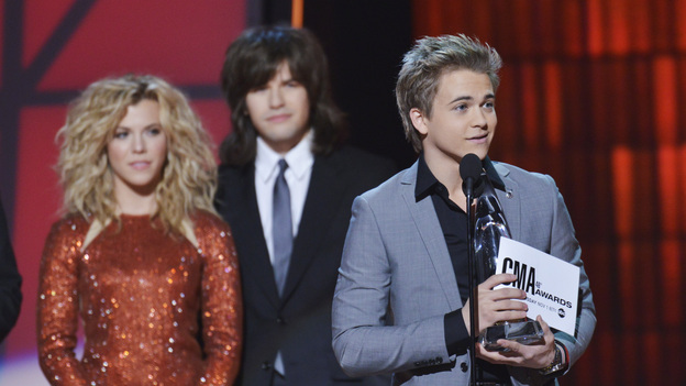 "THE 46TH ANNUAL CMA AWARDS - THEATRE - ""The 46th Annual CMA Awards"" airs live THURSDAY, NOVEMBER 1 (8:00-11:00 p.m., ET) on ABC live from the Bridgestone Arena in Nashville, Tennessee. (ABC/KATHERINE BOMBOY-THORNTON)THE BAND PERRY, HUNTER HAYES"