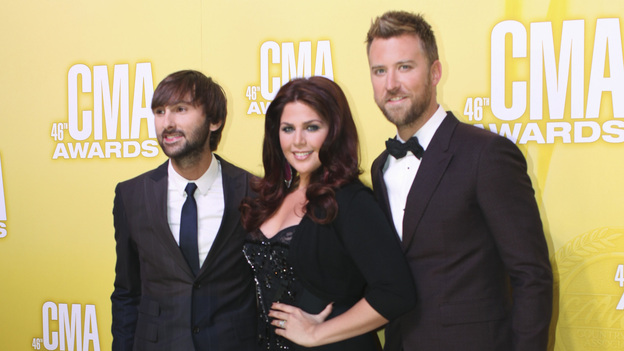 "THE 46TH ANNUAL CMA AWARDS - RED CARPET ARRIVALS - ""The 46th Annual CMA Awards"" airs live THURSDAY, NOVEMBER 1 (8:00-11:00 p.m., ET) on ABC live from the Bridgestone Arena in Nashville, Tennessee. (ABC/SARA KAUSS)LADY ANTEBELLUM"