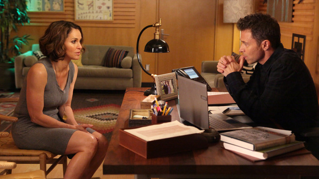 PRIVATE PRACTICE - &quot;True Colors&quot; - Addison, Pete and the team treat an illegal immigrant facing deportation who self-induces her pregnancy so that her child will be a U.S. citizen; Cooper and Violet work with a young girl who has gender identity disorder - and with her parents -- and Violet wants to continue therapy with Pete before they begin dating again, on Private Practice, TUESDAY, MAY 1 (10:01-11:00 p.m., ET) on the ABC Television Network. (ABC/DANNY FELD)AMY BRENNEMAN, TIM DALY