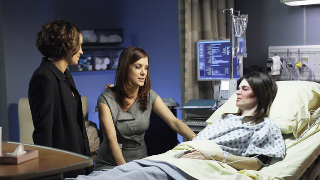 "PRIVATE PRACTICE - ""Losing Battles"" - Just as Violet's personal life takes a turn for the better with Scott, the paramedic, Joanna (the abused woman she met at the airport months earlier) arrives in need of urgent medical attention, being both pregnant and badly beaten; Cooper, Charlotte and Amelia all counsel Erica on the toughest decision of her life; and Addison and Jake meet with potential surrogates, on ABC's ""Private Practice"" THURSDAY, JANUARY 19 (10:02-11:00 p.m., ET) on the ABC Television Network. (ABC/KELSEY MCNEAL)AMY BRENNEMAN, KATE WALSH, BETSY BRANDT"
