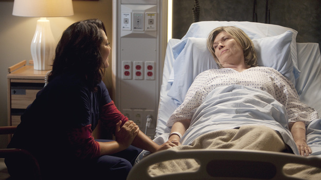 "GREY'S ANATOMY - ""Heart-Shaped Box"" - The doctors become nostalgic when George O'Malley's mother, Louise, returns to Seattle Grace for medical help after a botched surgery at a neighboring hospital; the residents are inspired by a medical miracle when they witness a harvested heart that continues to beat outside the body; a new pediatric fellow excites Arizona and makes Alex feel threatened; Jackson lets his suspicions about Mark and Lexie interfere with his work; and Henry and Teddy have their first marital fight when he expresses interest in pursuing medical school, on ""Grey's Anatomy,"" THURSDAY, NOVEMBER 3 (9:00-10:02 p.m., ET) on the ABC Television Network. (ABC/RANDY HOLMES)SARA RAMIREZ, DEBRA MONK"