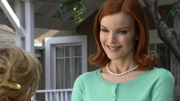 "DESPERATE HOUSEWIVES - ""Children Will Listen"" (ABC/DANNY FELD) FELICITY HUFFMAN, MARCIA CROSS"