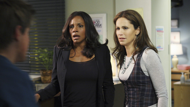 PRIVATE PRACTICE - &quot;Blowups&quot; - Two back-to-back episodes of &quot;Private Practice&quot; air on THURSDAY, DECEMBER 3. In the second episode, &quot;Blowups&quot; (10:00-11:00 p.m.), a terrible explosion at Dell's house lands Betsey and Heather in the hospital, and everyone is pushed to the limit trying to save their lives. Tensions rise even higher between Addison and The Captain when her mother, Bizzy, shows up and a shocking family secret is revealed. (ABC/CRAIG SJODIN)AUDRA MCDONALD, AMY BRENNEMAN