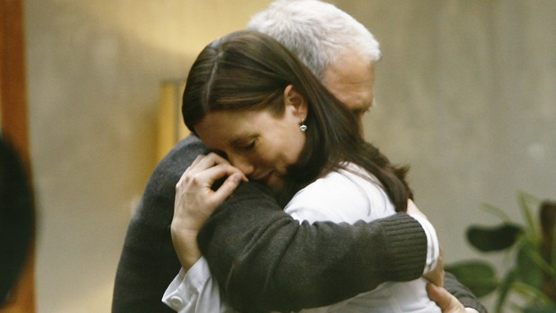 "GREY'S ANATOMY - ""Not Good at Saying Sorry (One More Chance)"" - Lexie accepts her father's apology and embraces him, on ""Grey's Anatomy,"" THURSDAY, APRIL 30 (9:00-10:02 p.m., ET) on the ABC Television Network. (ABC/SCOTT GARFIELD) CHYLER LEIGH, JEFF PERRY"