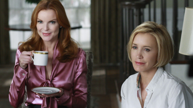 "DESPERATE HOUSEWIVES - ""Nice is Different Than Good"" - On the season premiere of ""Desperate Housewives,"" Mike Delfino's bride will finally be revealed: Will it be Katherine... or will recent events be enough to bring him and Susan back together? Lynette faces the reality of another pregnancy; Bree struggles to break free from Orson and her inhibitions; Gaby is put to the test by Carlos' teenaged niece, now in their care; and a new family with a dark past moves to Wisteria Lane, on ""Desperate Housewives,"" SUNDAY, SEPTEMBER 27 (9:00-10:01 p.m., ET) on the ABC Television Network. (ABC/RON TOM)MARCIA CROSS, FELICITY HUFFMAN"