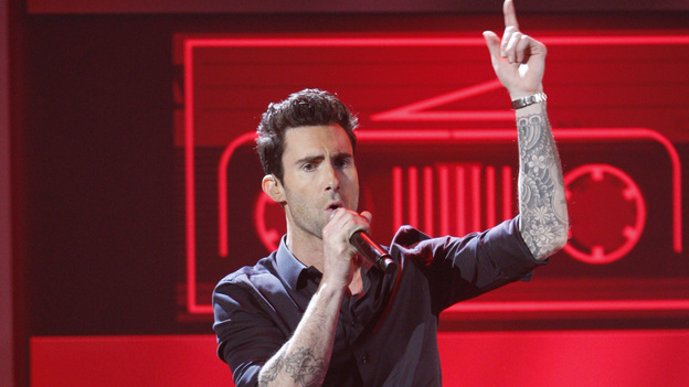 2011 AMERICAN MUSIC AWARDS® - THEATRE - The show broadcast live from the NOKIA Theatre L.A. LIVE on SUNDAY, NOV. 20 (8:00-11:00 p.m., ET/PT) on ABC. (ABC/TIM OGIER)ADAM LEVINE