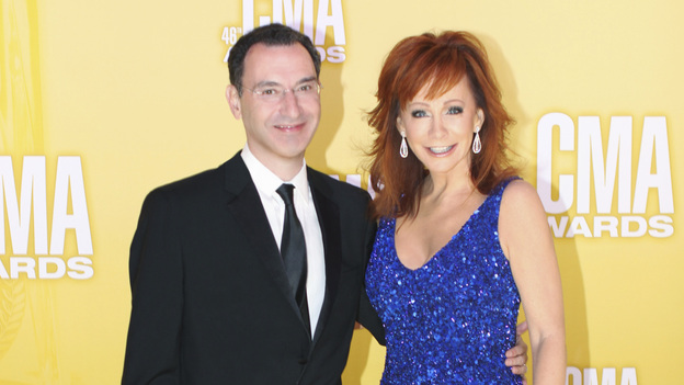 "THE 46TH ANNUAL CMA AWARDS - RED CARPET ARRIVALS - ""The 46th Annual CMA Awards"" airs live THURSDAY, NOVEMBER 1 (8:00-11:00 p.m., ET) on ABC live from the Bridgestone Arena in Nashville, Tennessee. (ABC/SARA KAUSS)PAUL LEE (PRESIDENT, ABC ENTERTAINMENT), REBA"
