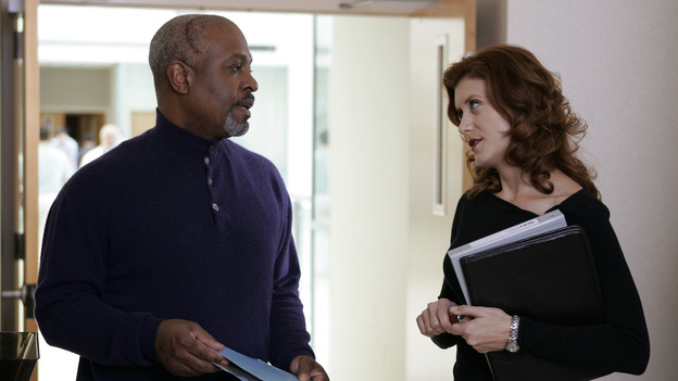 "102540_4979 -- GREY'S ANATOMY - ""MAKE ME LOSE CONTROL"" (ABC/CRAIG SJODIN)JAMES PICKENS, JR., KATE WALSH"