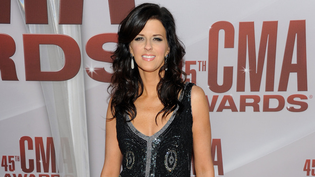 "THE 45th ANNUAL CMA AWARDS - RED CARPET ARRIVALS - ""The 45th Annual CMA Awards"" will broadcast live on ABC from the Bridgestone Arena in Nashville on WEDNESDAY, NOVEMBER 9 (8:00-11:00 p.m., ET). (ABC/JASON KEMPIN)KAREN FAIRCHILD OF LITTLE BIG TOWN"