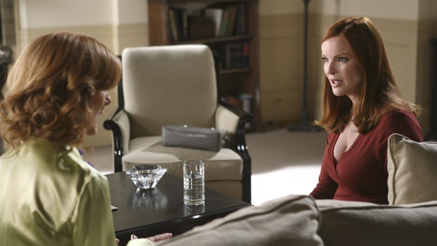 "DESPERATE HOUSEWIVES - ""No Fits, No Fights, No Feuds"" - The residents of Wisteria Lane are shocked by Bree's dinner guest, on ""Desperate Housewives,"" SUNDAY, JANUARY 7 (9:00-10:01 p.m., ET) on the ABC Television Network. (ABC/DANNY FELD) VALERIE MAHAFFEY, MARCIA CROSS"