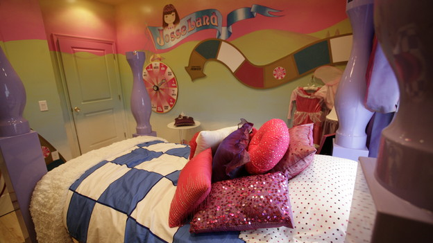 "EXTREME MAKEOVER HOME EDITION - ""Terpenning Family,"" - Girl's Bedroom, on ""Extreme Makeover Home Edition,"" Sunday, November 8th, on the ABC Television Network."
