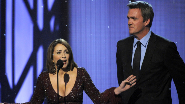 "THE 43rd ANNUAL CMA AWARDS - THEATRE - ""The 43rd Annual CMA Awards"" broadcast live from the Sommet Center in Nashville, WEDNESDAY, NOVEMBER 11 (8:00-11:00 p.m., ET) on the ABC Television Network. (ABC/KATHERINE BOMBOY)PATRICIA HEATON, NEIL FLYNN"