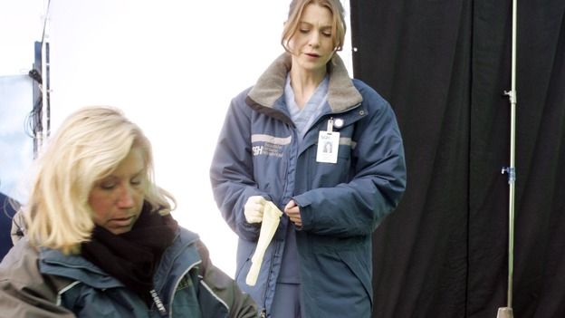 "GREY'S ANATOMY - ""Walk on Water"" - Producer/technical advisor Linda Klein (left) coaches Ellen Pompeo (center) while shooting ""Grey's Anatomy"" on location at the Santa Anita Park in Arcadia, California. (ABC/VIVIAN ZINK)"