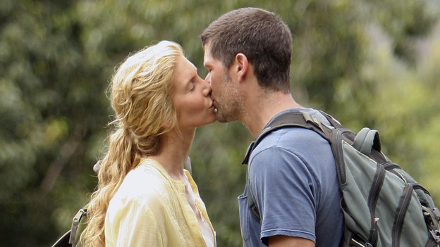 "LOST - ""Through the Looking Glass"" - Jack and the castaways begin their efforts to make contact with Naomi's rescue ship, on the season finale of ""Lost,"" WEDNESDAY, MAY 23 (9:00-11:00 p.m., ET), on the ABC Television Network. (ABC/MARIO PEREZ)ELIZABETH MITCHELL, MATTHEW FOX"