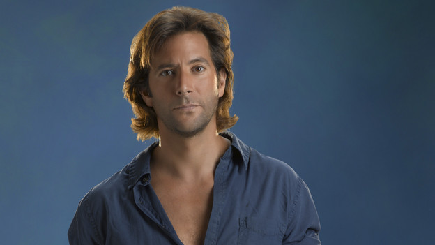 LOST - Henry Ian Cusick stars as Desmond on ABC's &quot;Lost.&quot; (ABC/BOB D'AMICO)