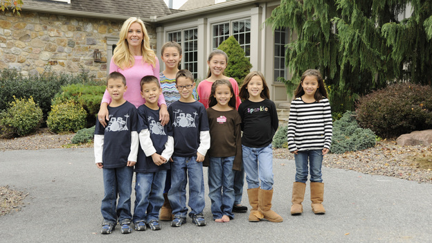 "CELEBRITY WIFE SWAP - ""Kate Gosselin / Kendra Wilkinson"" - Season Two of ""Celebrity Wife Swap"" kicks off with reality television mom Kate Gosselin (""Kate Plus 8"") and former Playboy Magazine cover girl Kendra Wilkinson (ABC's ""Splash""), TUESDAY, FEBRUARY 26 (8:00-9:00 p.m., ET) on the ABC Television Network. (ABC/DONNA SVENNEVIK) KATE GOSSELIN, JOEL KEVIN GOSSELIN, COLLIN THOMAS GOSSELIN, MADELYN ""MADY"" KATE GOSSELIN, AADEN JONATHAN GOSSELIN, CARA NICOLE GOSSELIN, LEAH HOPE GOSSELIN, ALEXIS FAITH GOSSELIN, HANNAH JOY GOSSELIN"