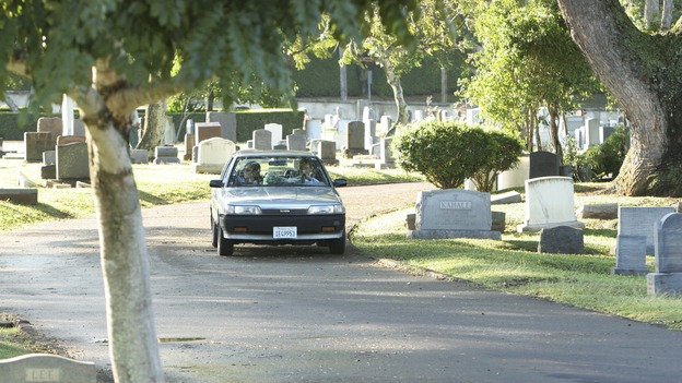 "LOST- ""Lockdown"" (ABC/MARIO PEREZ)DRIVING INTO THE CEMETERY"